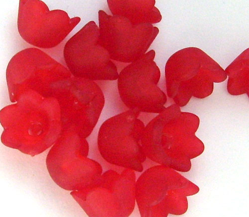 20 fleurs cloches en lucite frosted rouge 10mm